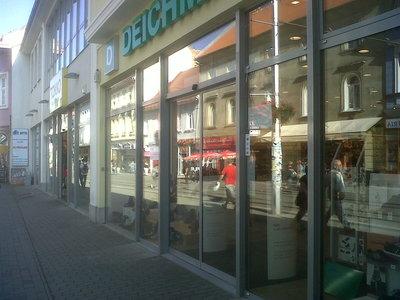 umývanie okien a výkladov Bratislava, servisné umytie