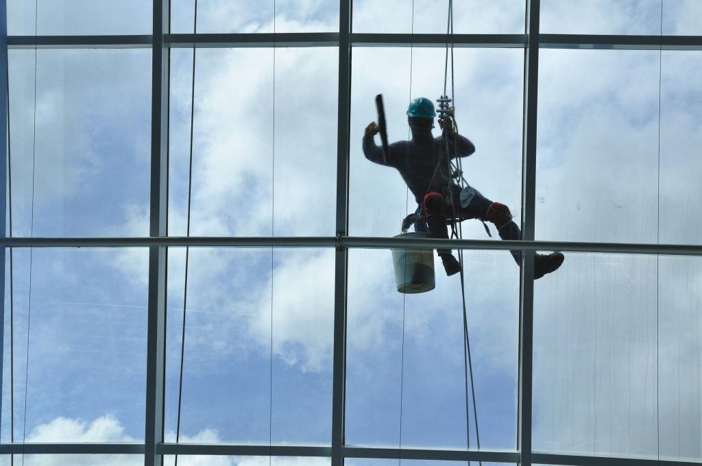 Čistiace práce vo výškach