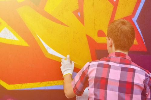 čím odstrániť graffiti